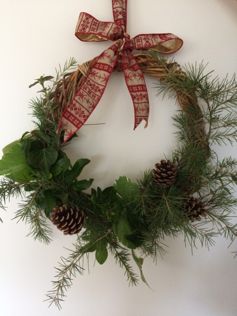 Christmas Wreath Making 6 December 2018 – FULLY BOOKED